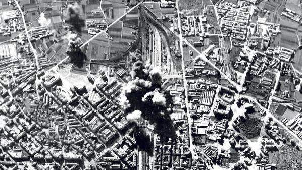 Bombardeo en la estación del norte de valencia (1937)
